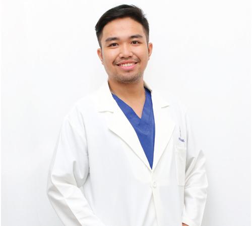 Bác sĩ thẩm mỹ Trịnh Quang Nhật