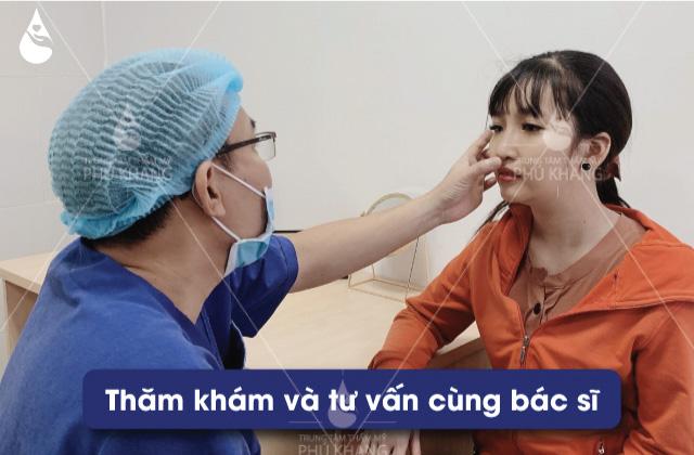 bác sĩ tư vấn dáng nâng mũi cao tây